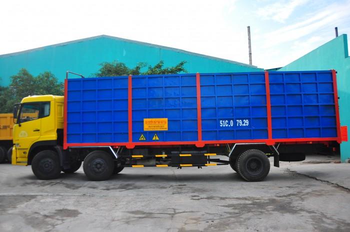 Xe 51C va xe 10 tấn