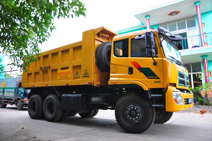 Phương tiện vận chuyển chất thải